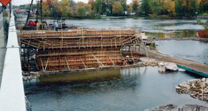1991_Pont_Taschereau_-_Rivière_des_Outaouais_0004_a-min