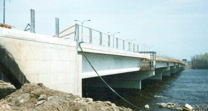 1991_Pont_Taschereau_-_Rivière_des_Outaouais_0009_a-min